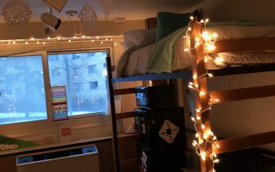 Deck The Halls: 5 Ways To Decorate You Residence Hall Room For The Holidays