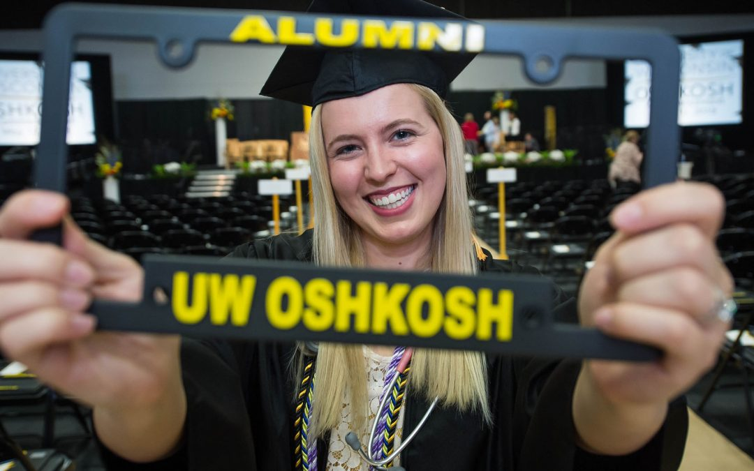 More than 900 graduate from UW Oshkosh at midyear commencement