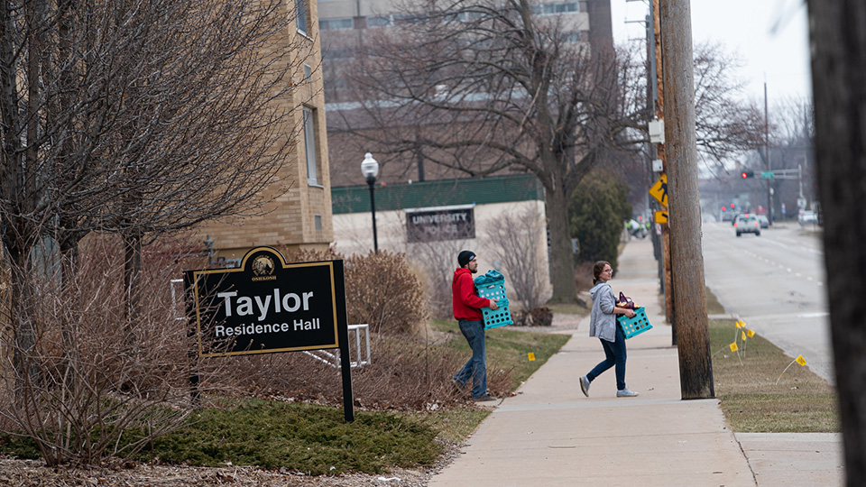 UWO students move out of campus residence halls