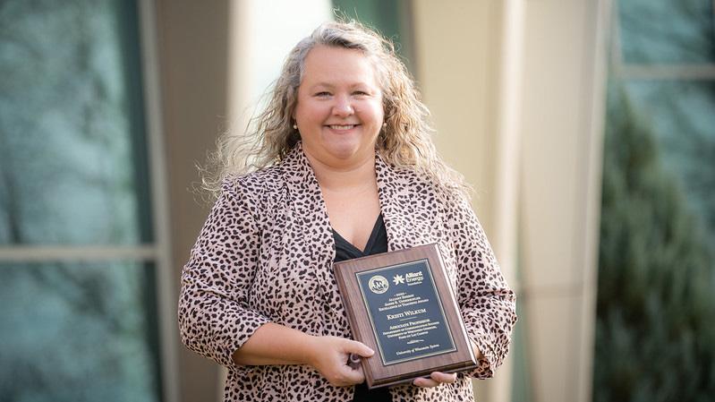 UWO Fond du Lac's Wilkum earns Alliant Energy excellence in teaching award