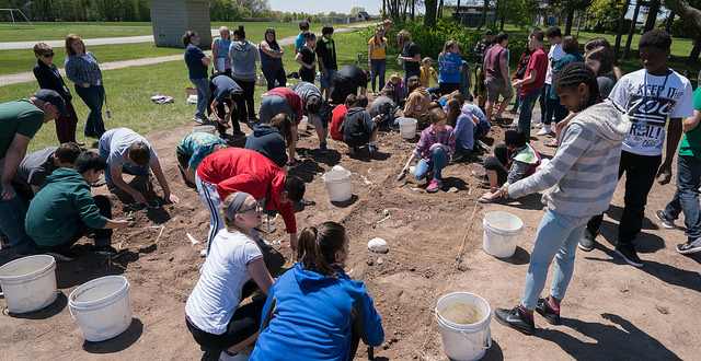 Middle school students learn about forensic anthropology