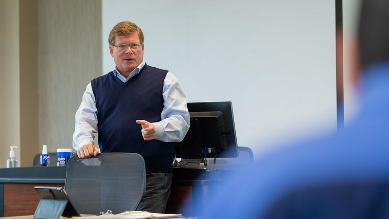 UWO executive MBA faculty pair up with top business leaders for team teaching