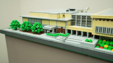 Photo of a micro building of Polk Library made entirely of Legos