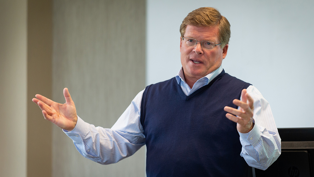 Retired Bemis North America president shares passion for servant leadership with MBA-Executive students