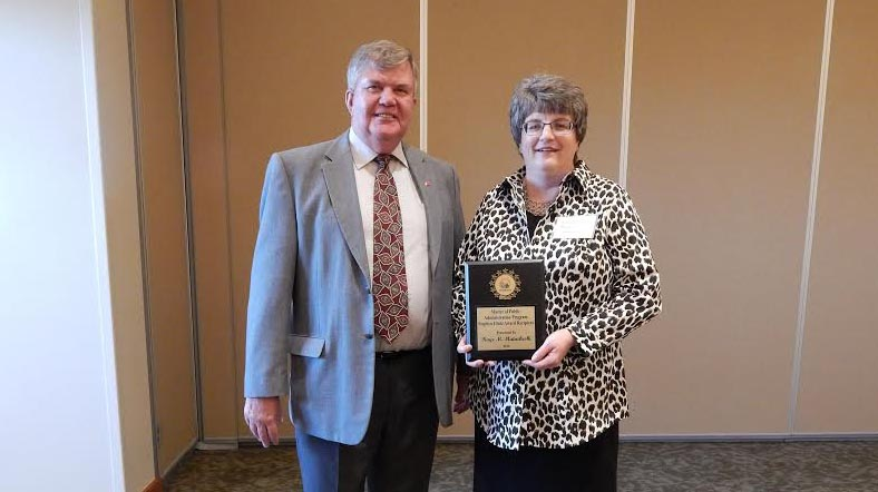 Antigo clerk/treasurer receives 2016 Stephen Hintz MPA Award