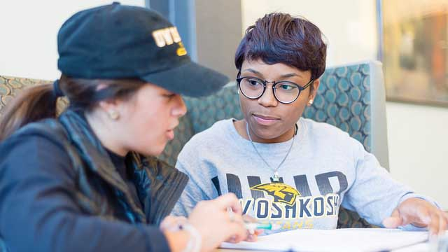 UW Oshkosh Titan Advantage Program recognized with 2019 Regents' Diversity Award