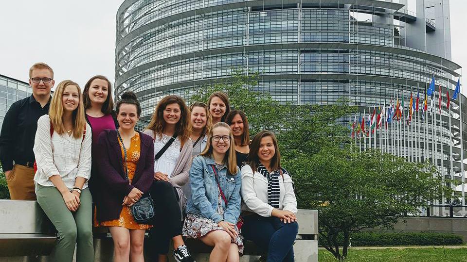 UW Oshkosh students witness refugee crisis during trip to France, Germany