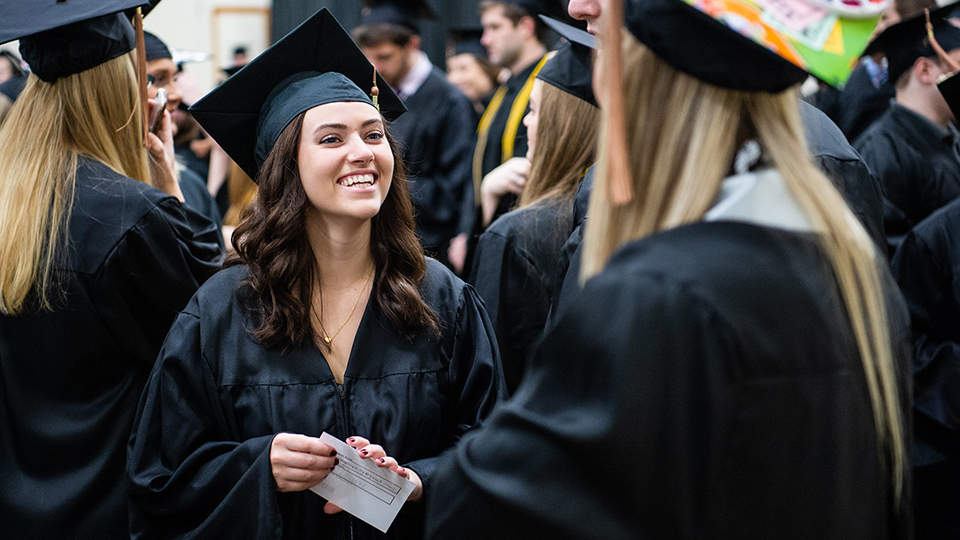 UW Oshkosh students find post-grad success well above national average, survey shows