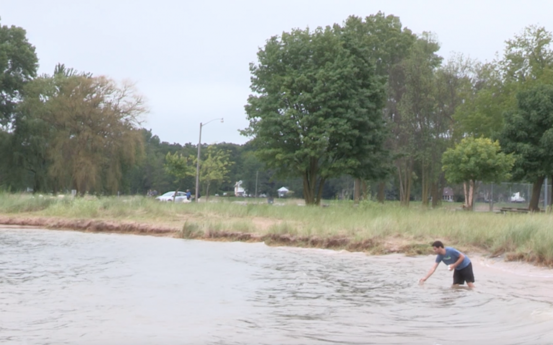 UWO beach research among projects funded by $2.8 million from Wisconsin Sea Grant