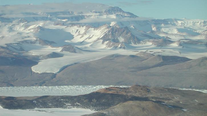 UWO research: Ancient mountains recorded in Antarctic sandstones reveal potential links to key global events