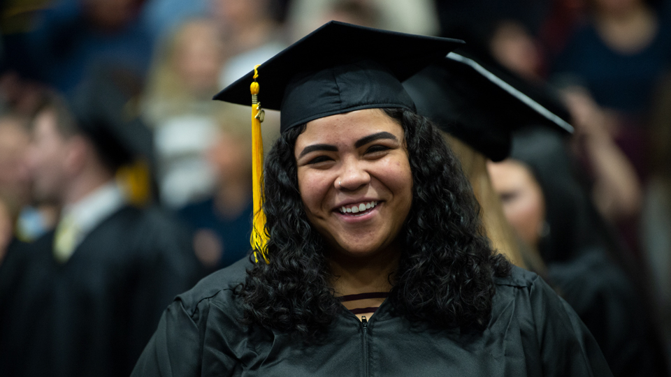 UWO students from Fond du Lac, Fox Cities, Oshkosh campuses earn degrees at midyear commencement