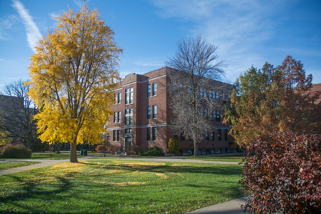 UW Oshkosh awarded Tree Campus USA distinction for ninth consecutive year
